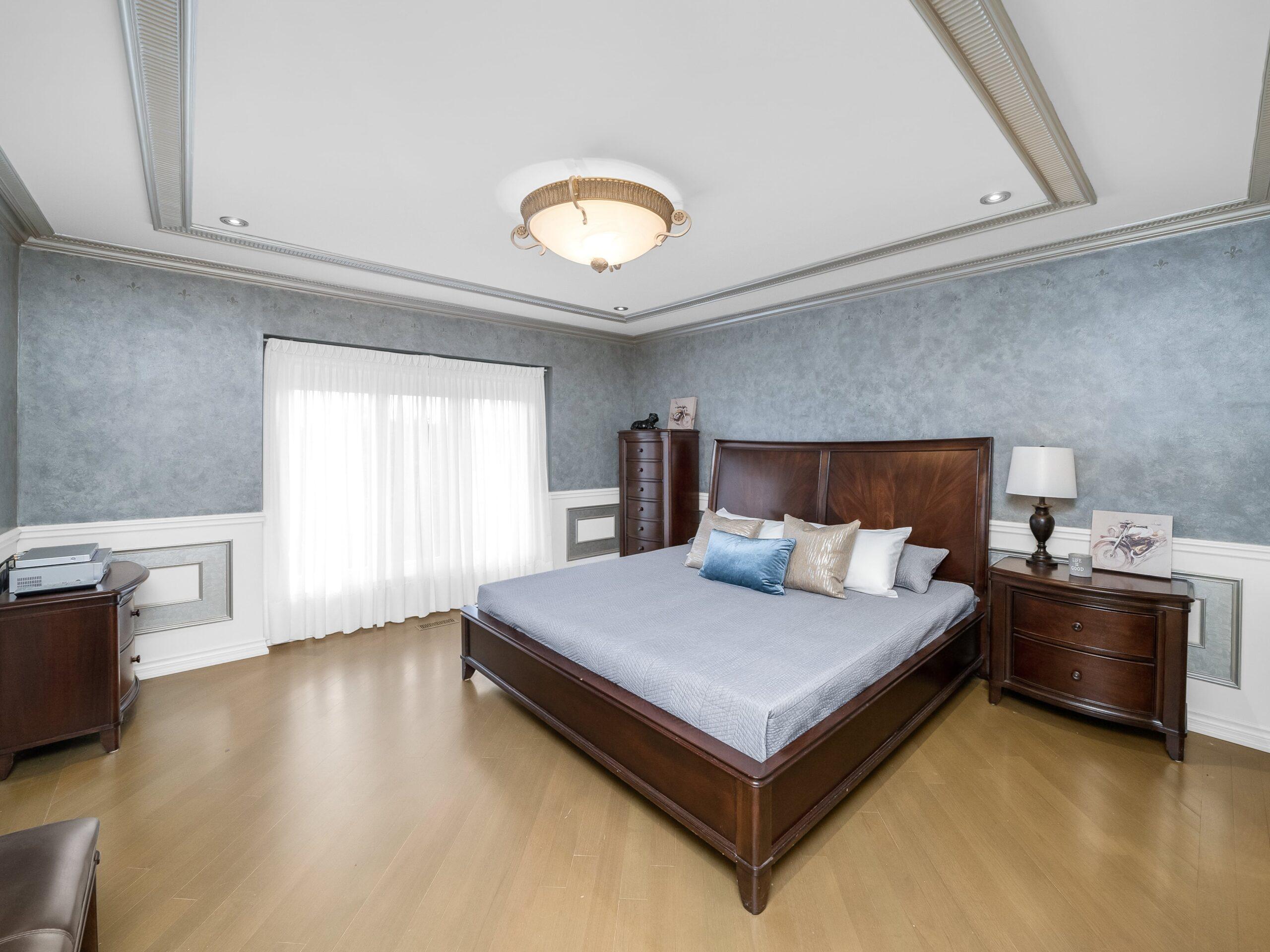046-Bedroom-4200x3151-min