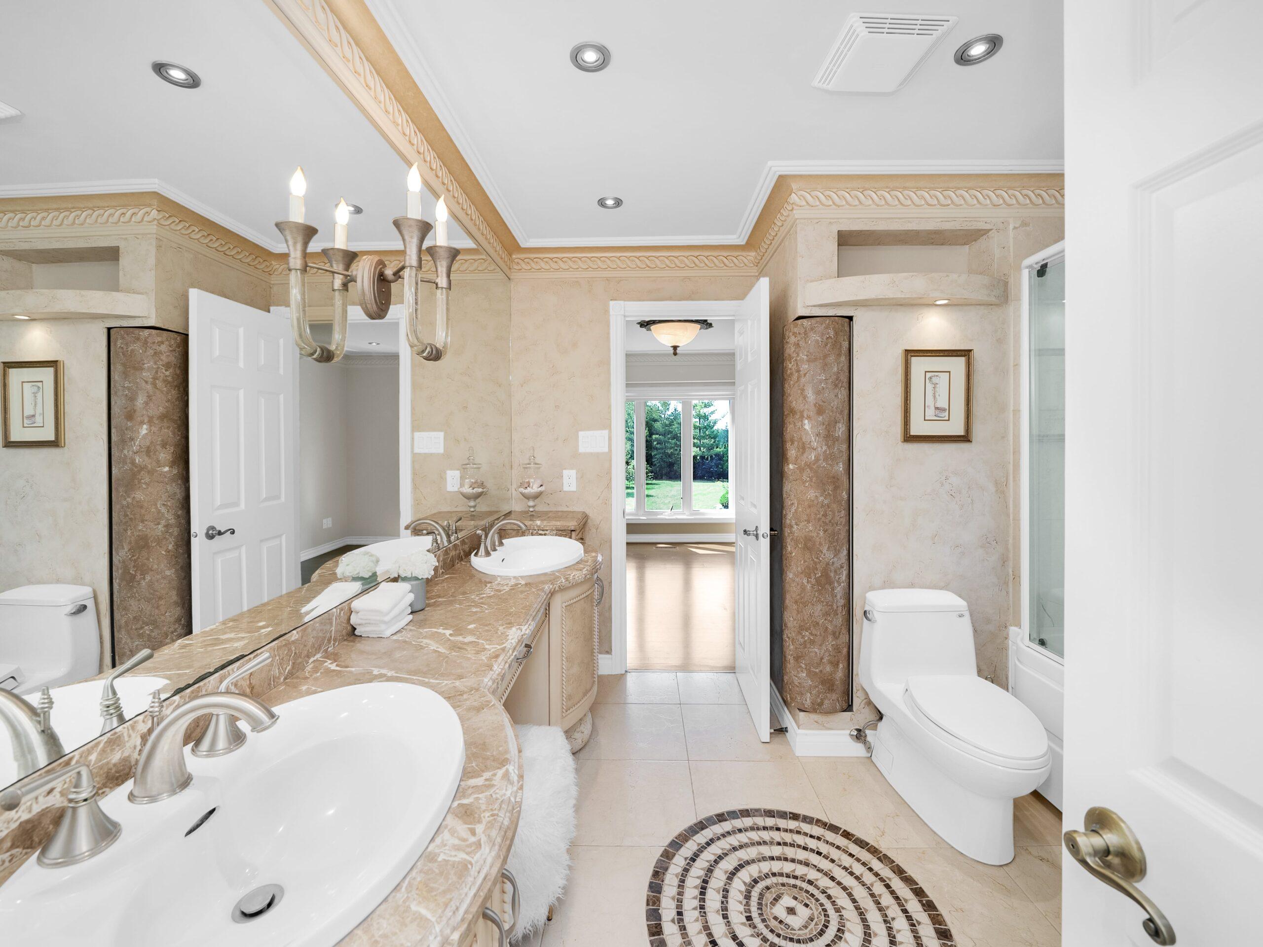052-Bathroom-4200x3153-min