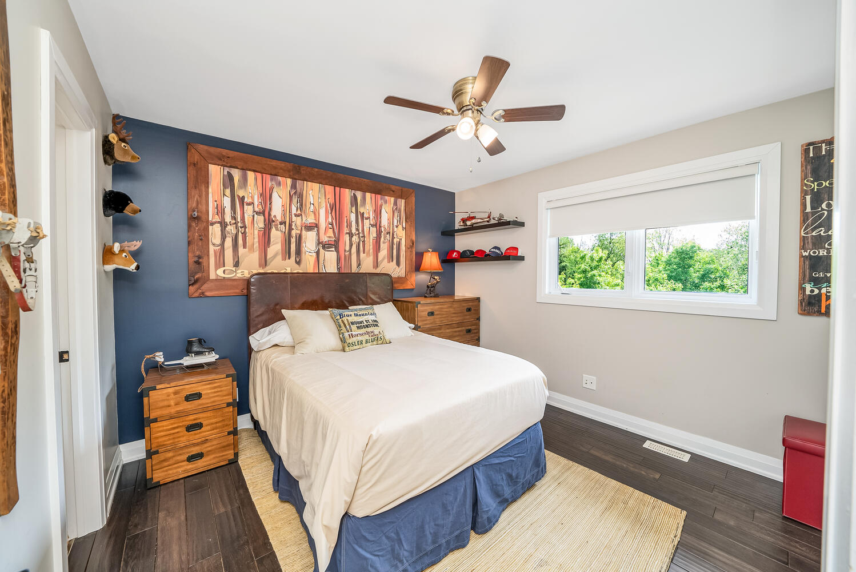 18 Bridle Trail Midhurst ON-large-070-044-Bedroom-1498x1000-72dpi