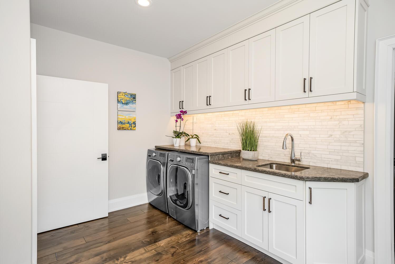18 Bridle Trail Midhurst ON-large-099-083-Laundry Room-1498x1000-72dpi