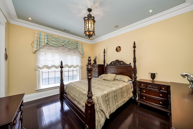 Bedroom 2-044-043-1495x1000