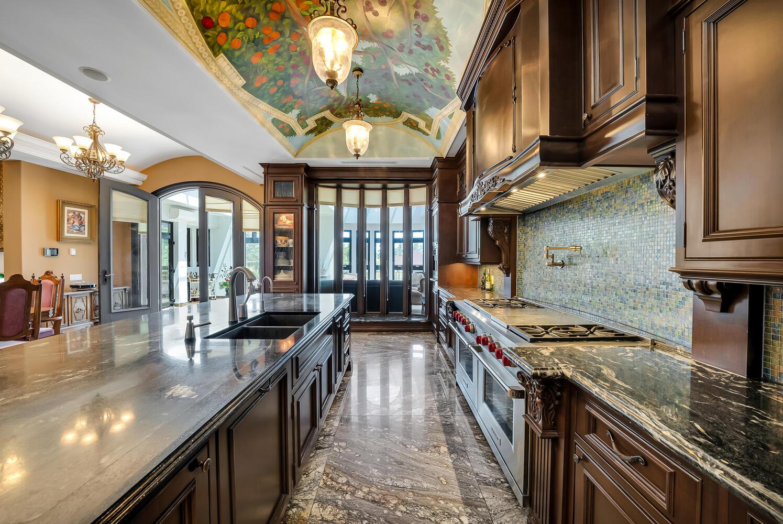 Kitchen-060-053-1496x1000