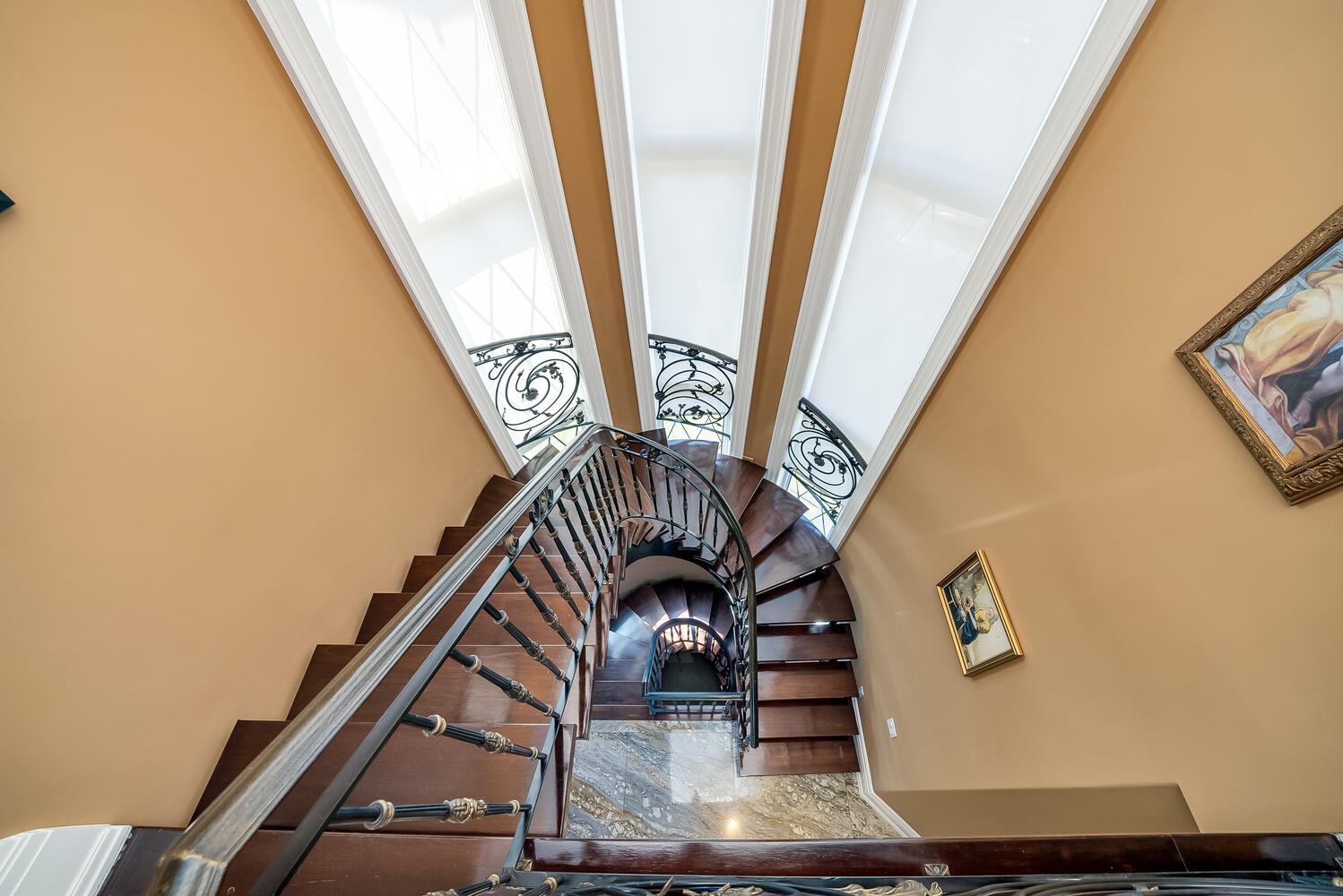 Staircase-074-068-1499x1000